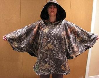 Hooded Fleece Poncho, Reversible Hooded Poncho, Camo Poncho, Mossy Oak, mens poncho, hunting poncho, womens poncho, poncho, fleece poncho
