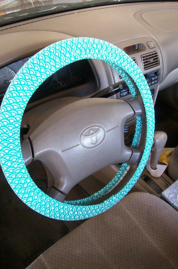 Tiled Teal/White Steering Wheel Cover