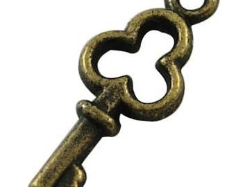 12ct Key Pendant Antique Bronze Brass Skeleton Key Charm 16mm