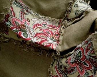 Throw green patchwork red floral rag quilt linen