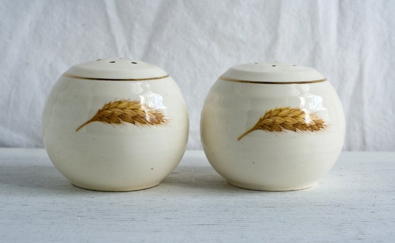 Vintage Wheat and Gold Salt and Pepper Shakers