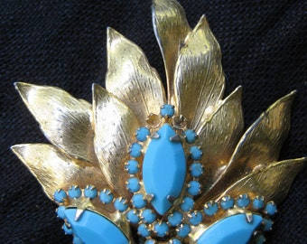 Gorgeous Vintage Gold and Turqoise Leaf Themed Brooch