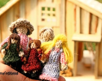 Little House Family Dolls Tiny Dollhouse People Prairie Knitted Natural Wool Waldorf