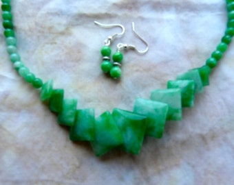 SALE!   19 Inch Grass Green Malaka Jade Necklace with Earrings