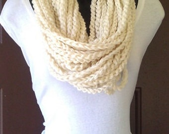 Infinity Loop Chunky Crochet Circle Scarf Necklace Winter Eternity Cream Yarn Necklace