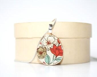 Mod Flower Pendant necklace mom flower necklace. Gift for women. Red necklace. wood necklace mom, sister, girlfriend