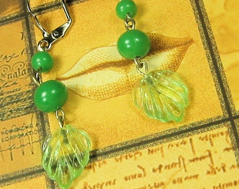 Handmade Vintage Green Leaf Pierced Earrings