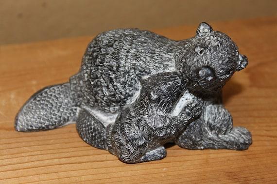 Beaver family eskimo inuit soapstone carving sculpture wolf