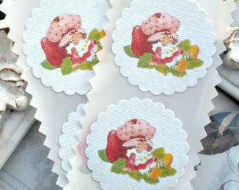 Strawberry Shortcake Stickers / Seals - Cottage Chic - Vintage - Set of 12 - 1.5 inch scallop round - Tags - Toppers