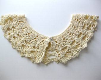 Wedding Crochet Collar Light Cream Vintage with snap closure Shabby Fashion Bridal
