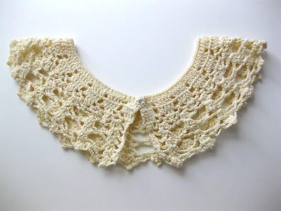 Wedding Crochet Collar Light Cream Vintage with snap closure Shabby Fashion Bridal