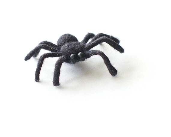 Felt Spider - Black scary toy - handmade felted scary spider - black halloween