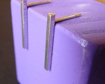 Rectangular textured edge earrings (long)