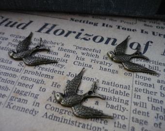 10 pcs Antique Bronze Swallow Bird Charms 25mm (BC736)