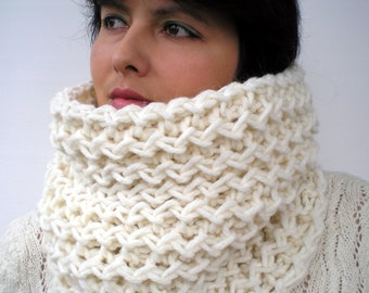 SALE Ivy Cowl Super Soft Wool Neckwarmer Women Ivory Fashion Cowl Chunky Texture Cowlneck