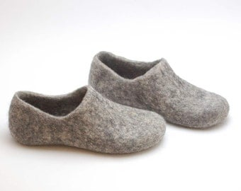 Felted organic wool clogs just grey - felted slippers - eco-friendly unisex slippers - handmade felt wool clogs