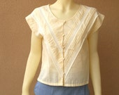 Vintage 1980s yellow buttoned blouse with lace