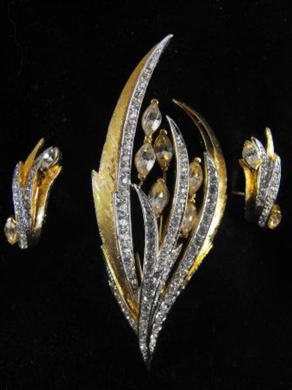 RESERVED atPero:Gorgeous Boucher Demi Parure Trembler Brooch Earrings 75.00 On Sale