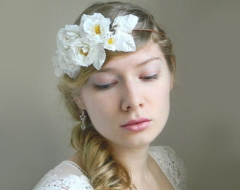 SALE White Wild Rose 'Chantal' Flower Headpiece - White Blanche Garden Woodland Wedding