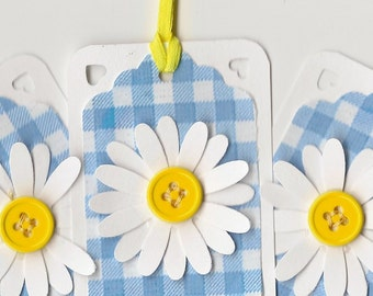 Set of 10 Gift tags, 1.75 inch x 2.5 inch, die cut daisy on blue gingham check background,