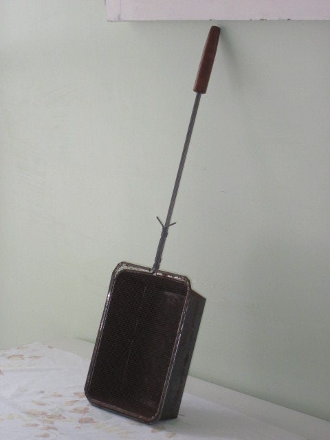 Vintage Camp Fire Wood Handled Metal Pop Corn Popper Popcorn