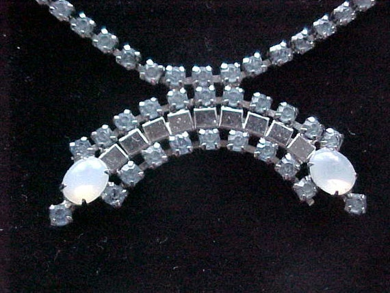 Vintage Rhinestone 1950s Blue Rhinestone Art Deco Necklace Prong Set