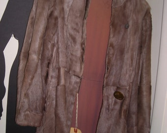 Antique Fur Coat .... 1950's ..... Glamour Fur Coat..... Lightweight Fur Coat ... Size 8-10
