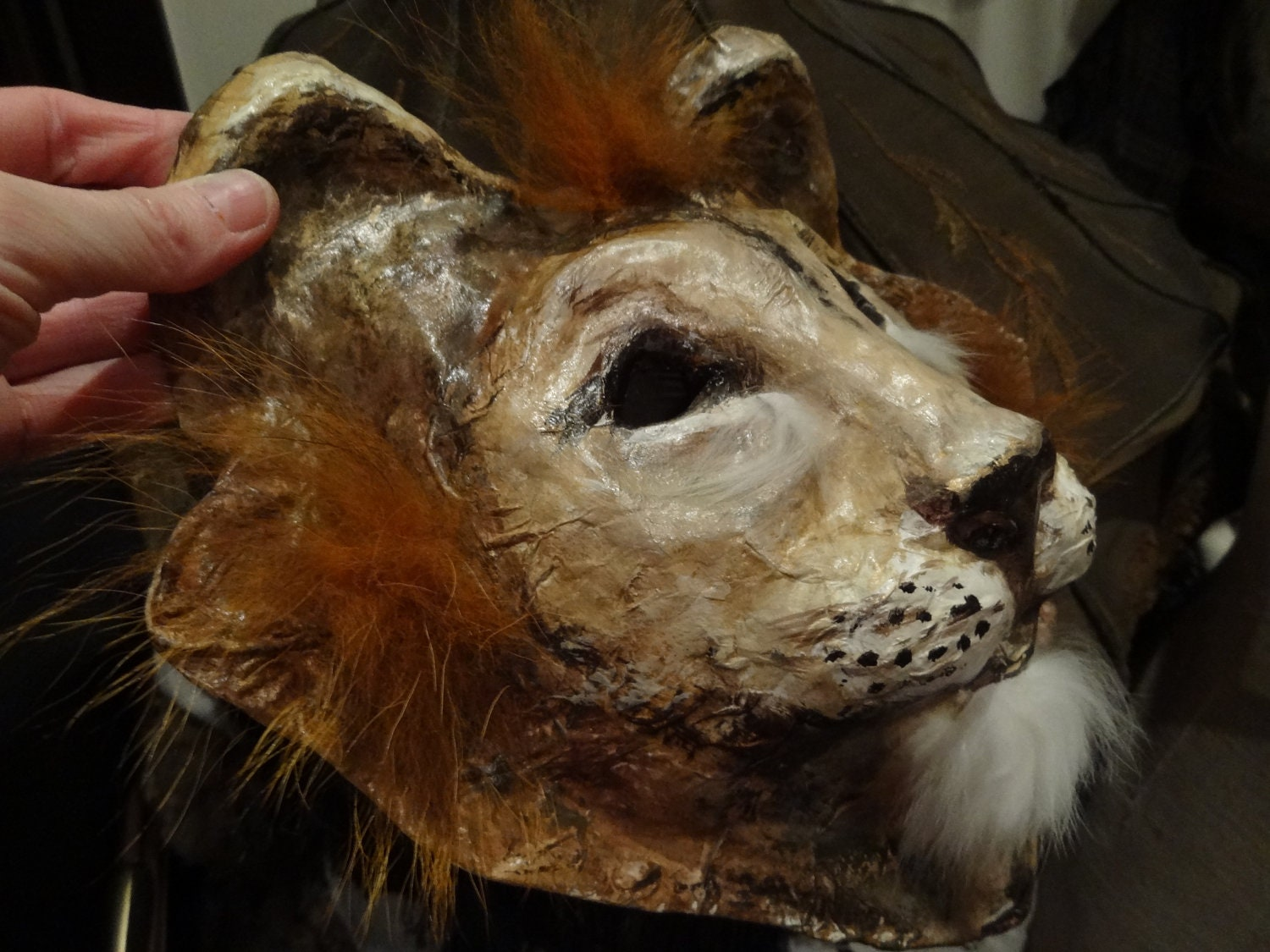 Animal head mask paper mache lion mask lion by miesmesaberni for Making paper mache animals