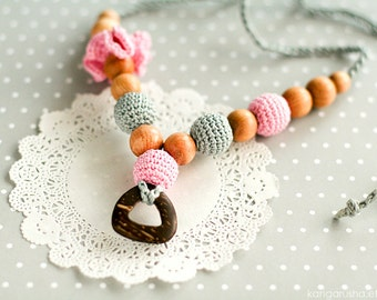Nursing necklace with coconut ring pendant - Breastfeeding necklace with crochet flower gift under 25