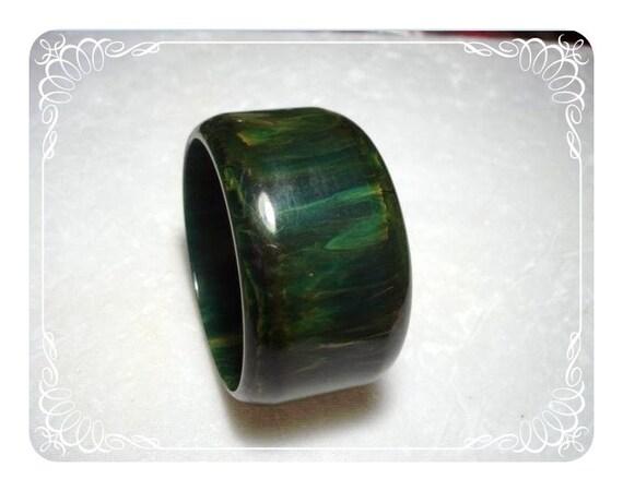 Early Bakelite Bracelet  Lg Greens/Black  1833ag-4-8-10