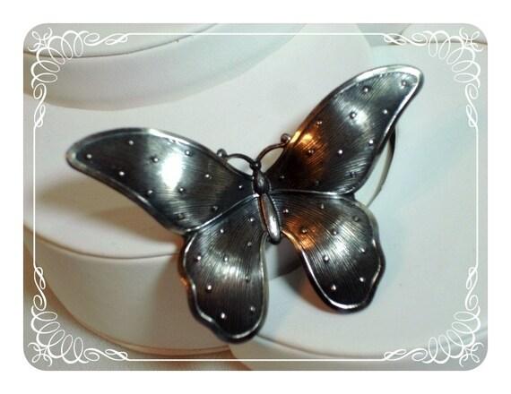 Dotted Metal Butterfly Brooch - Unusual Huge 1753b-050212000