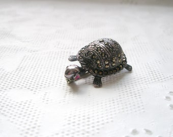 Vintage Sterling Silver Marcasite  Turtle& Red Eye Brooch  925 Sterling Silver