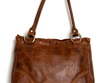 AMICA. Leather shoulder bag / Vintage style bag  / leather tote bag / leather purse / leather handbag. Available in different leather colors