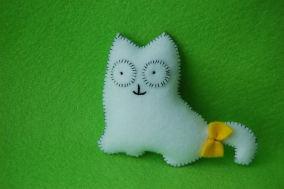 Lovely white cat handmade felt plush doll