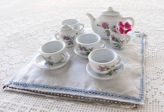 childrens 39 doll china tea set tea for 4 vintage. Black Bedroom Furniture Sets. Home Design Ideas
