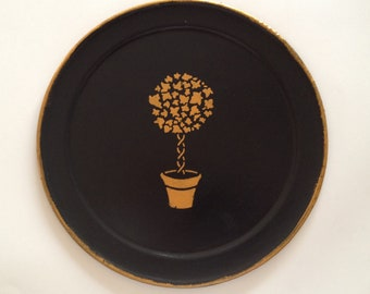 R gold topiary black round  tray