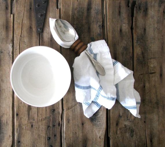 soup or chili bowls - simple classic farmhouse table settings