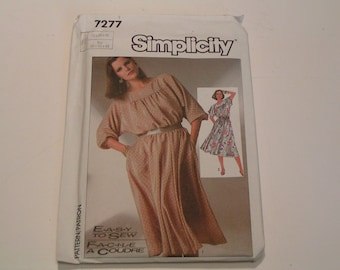 Vintage Simplicity Pattern 7277 Easy to Sew Pull On Dress
