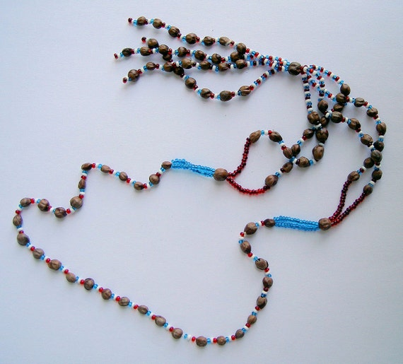 1970s Vintage Native American Indian artisan hand made seed and bead necklace hippie boho