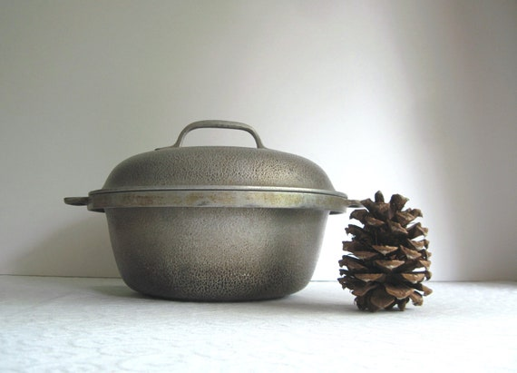 Vintage Aluminum Covered Casserole, Silver Seal, 1930's
