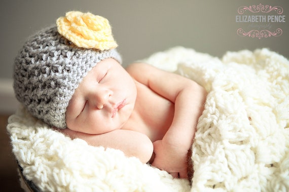Baby Girl Crochet Flower Hat- Gray with a Yellow Flower