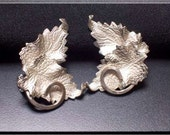 Judy-Lee Vintage Earrings Leaves Silvertone Clip On Etched with Swirl