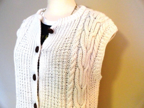 Vintage 50s 60s Irish WOOL Cable Knit FISHERMAN Cowichan Wood button SWEATER Vest S M