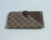 free shipping original GUCCI  collection purse security code 01-03-110 made in Italy circa 1970's