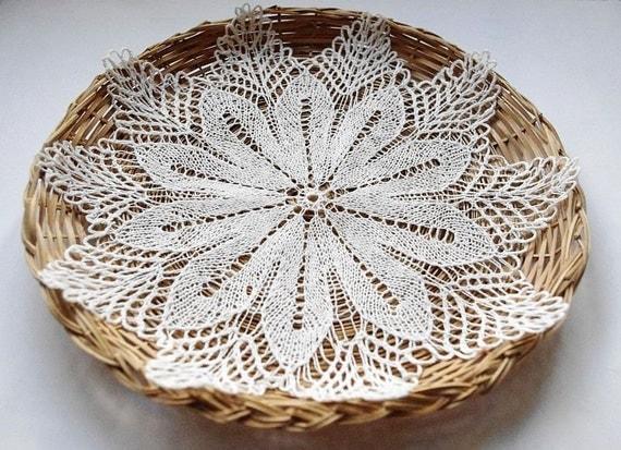 SUMMER SALE 20% OFF - Small white doily: small handmade linen knitted doily flower