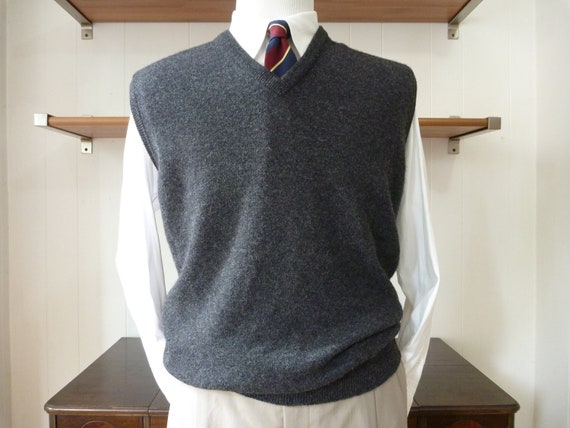 Vintage Brooks Brothers 100% PURE Lambswool Charcoal Gray Sweater Vest Size 48.  Knitted in England.