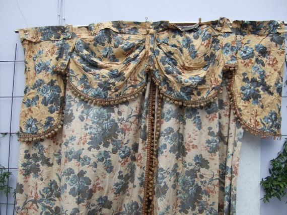 Antique Curtains Cretonne with Swagged Valance. From the