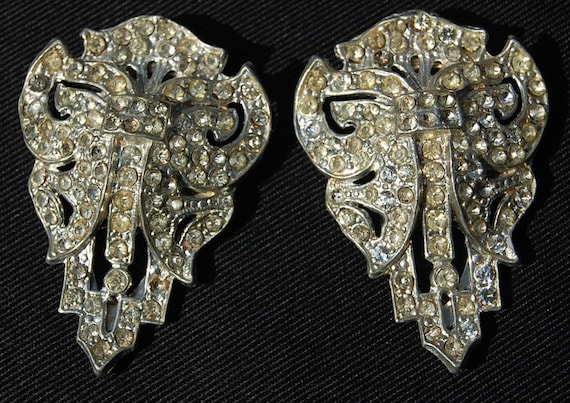 PRICE REDUCED - Vintage Pair Art Deco Shoe, Dress, fur or Scarf Clips Buckle Rhinestone Baguettes Pot Metal Paste