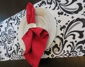 Damask Table Runner in Black & White Traditions