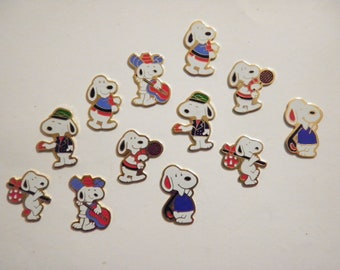 12 Vintage 21mm Assorted Hand Painted Disney Snoopy Characters
